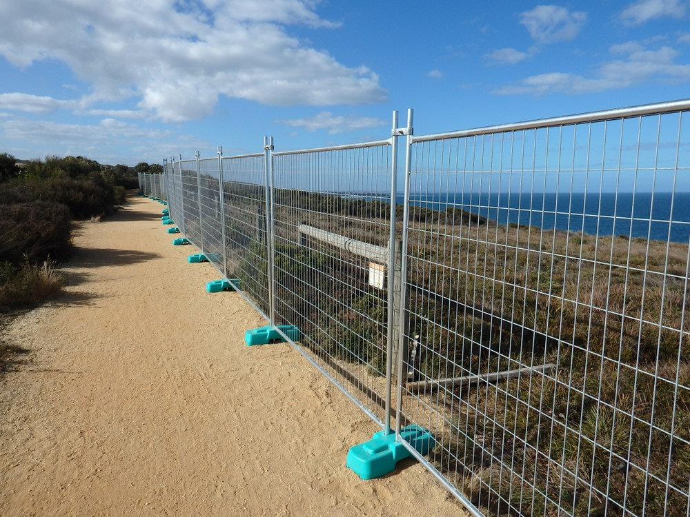 gard pentru delimitarea unei zone de coasta